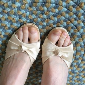 Vintage Shoes - Vintage Cream White Wedding Heels Daniel Green